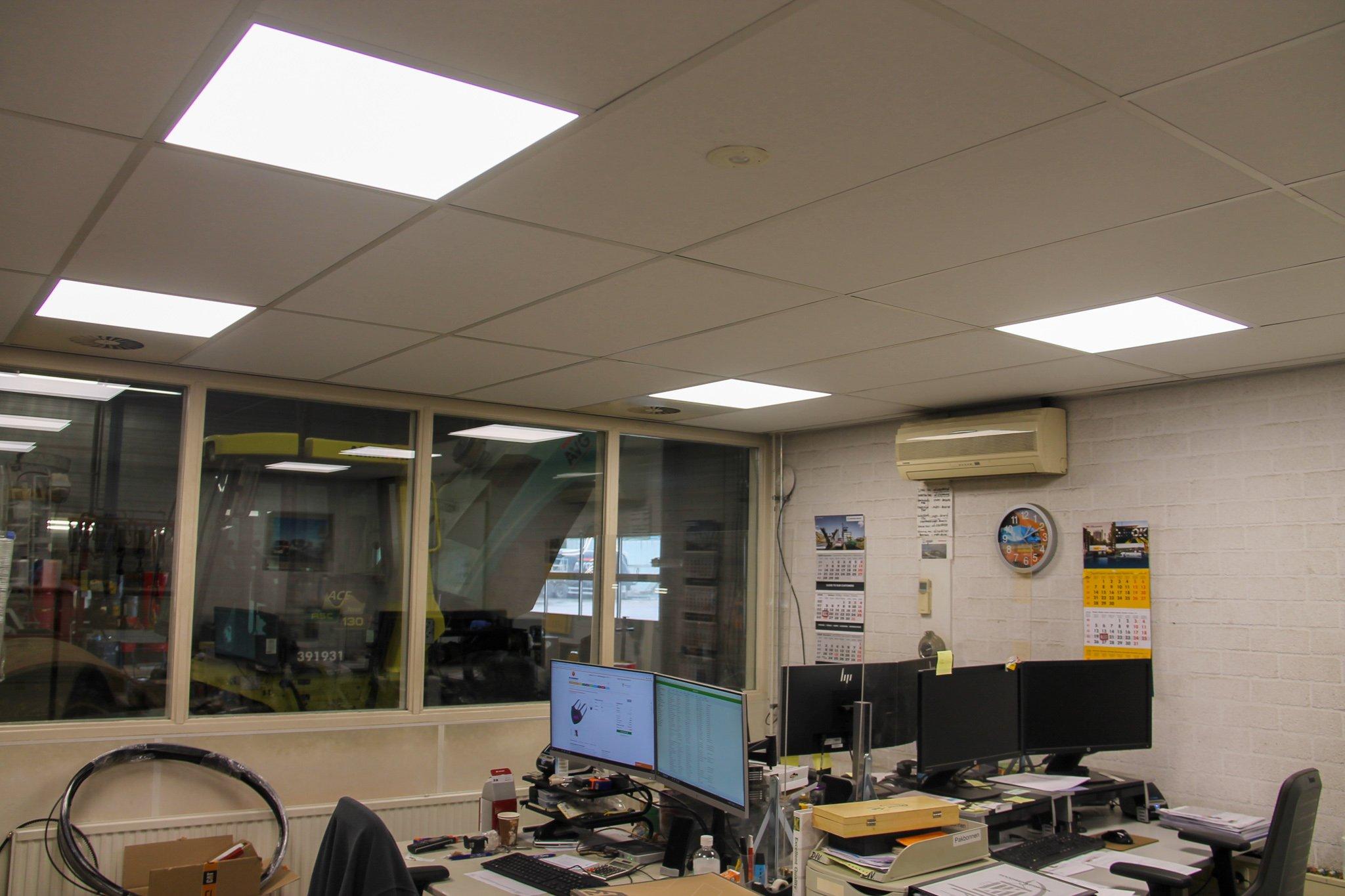 kantoor in magazijn
